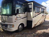 Beautiful 2008 Fleetwood Bounder in excellent