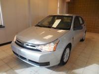 GREAT GAS MILEAGE! NICE CLEAN SMALL CAR! SE trim.