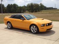 2008 Ford Mustang GT Convertible -leather interior -6