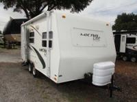 A 21' Lite Weight Travel Trailer in Great shape and