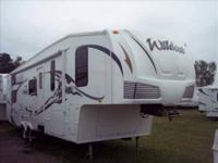 2008 Forest River Wildcat 31QBSB 5th Wheel This 31 foot