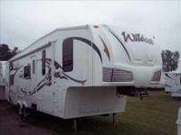 2008 Forest River Wildcat 31QBSB 5th Wheel. This 31