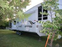 FOR SALE BY OWNER: 2008 Franklin 5th wheel RV; triple