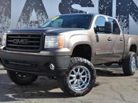 This 2008 GMC Sierra 1500 4dr 1500 Z71 With Fabtech