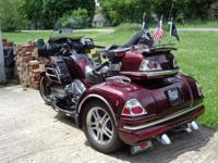 FOR SALE:  2008 Goldwing CSC Trike. Airbag model