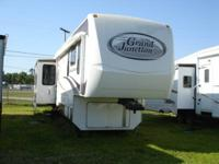 2008 Grand Junction 34QRE 38' 5th Wheel in like new