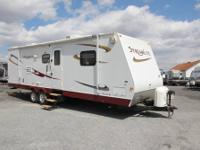 2008 STREAMLITE 31 USS-This travel trailer has a full