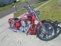 Has SE tuner and D&D exhaust. Custom matching Harley