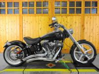 2008 HARLEY ROCKERBEAUTIFUL VIVID BLACK WITH GREY GHOST