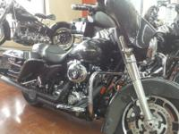 This is a nice 2008 Harley Davidson FLHX with 39117