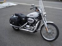 2008 Harley Davidson XL1200C Custom, absolutely