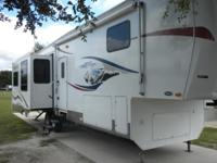 2008 Heartland Big Country 3500RL very clean