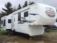 2008 Big Horn 3670 RL5th wheel, 39 ft. 4 slides,