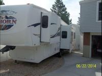 2008 Heartland Bighorn M-3055RL. A 20000 Pounds Curt