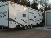 Model 3795 LE. Luxury Triple Axle 5th Wheel With