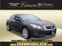 FUEL EFFICIENT 29 MPG Hwy/19 MPG City! CARFAX 1-Owner,