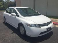 ..Very clean 2008 Honda civic . Good on gas and its