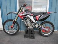 2008 CRF250R in excellent condition with a brand new