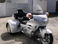 2008 Honda GL1800 Goldwing. JUST IN TIME FOR SPRING!-