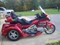 11,065 Miles 2008 GL 1800 Honda Goldwing with a Lehman