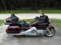 VERY NICE 2008 HONDA GOLDWING IT HAS 33K MILES Honda