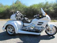 FOR SALE IS THIS 2008 HONDA GOLDWING GL1800 ROADSMITH