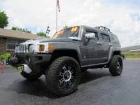 DEAL PENDING!!! 2008 Hummer H3 4x4 SUV. Great Color