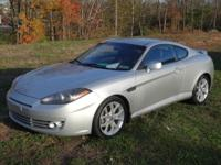 This 1-Owner 2008 Hyundai Tiburon GT is streamlined,