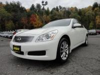 Exterior Color: ivory pearl, Body: Sedan, Engine: Gas