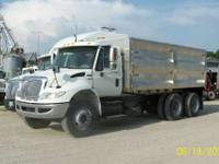 2008 International 4400 Tandem with 18ft aluminum bed