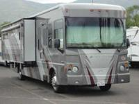 2008 Itasca Latitude in Excellent Condition- - This