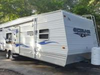 Jayco toy hauler 26ft sleeps 8 Onan generator low hours