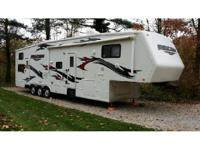 2008 Jayco Recon f36V Fifth Wheel Toy Hauler. 40 Feet