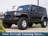 2008 Jeep Wrangler Unlimited X in Black Clearcoat/Black