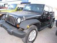 Exterior Color: black, Body: SUV 4X4, Engine: 3.8 6