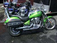 KAWASAKI VULCAN 900 CUSTOM OFFERS CLEAN STYLING AND A