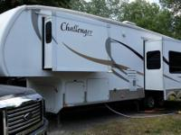 Keystone 5th Wheel M-30TRL (35 feet, 8 inches) 2008 is