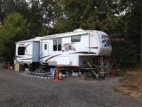 2008 Keystone Everest. Immaculate condition. Beautiful