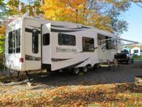 2008 Montana 38' Fifth Wheel Model 3485 SA , 3 Slide