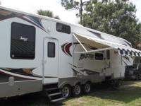 36 FT 5TH WHEEL TOY HAULER ELEC AWNING ELEC BUNKS IN