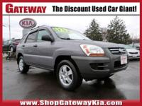 CLEAN CARFAX..NO ACCIDENTS!, RECENT GATEWAY KIA TRADE,