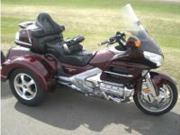 Trike Motorcycle, Red, 20,119 mi., 1,148 pounds.2008
