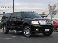 This 2008 LINCOLN Mark LT 4x4 Truck features a 5.4L V8