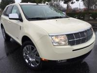 ** BLUETOOTH / Hands Free|MP3 PLAYER, ** MOONROOF **,