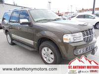 This 2008 Lincoln Navigator has a 5.4 liter 8 Cylinder