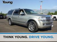 2008 Lincoln Navigator L. 4WD and Leather. Stays the