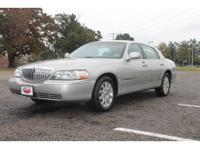 This great 2008 LINCOLN Town Car Signature Limited is