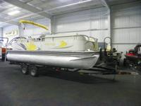 CLEAN 2008 LOWE SUNCRUISER SS200 WITH ONLY 158 HOURS