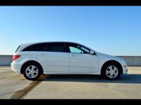 Exterior Color: arctic white, Body: Wagon, Engine: 3.5L