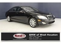 This 2008 Mercedes-Benz S 550V V8 is a One Owner